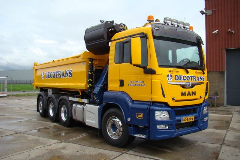 Decotrans-MAN-8x4-met-Tweezijdige-kipper-en-Epsilon-Q180Z95TR-1