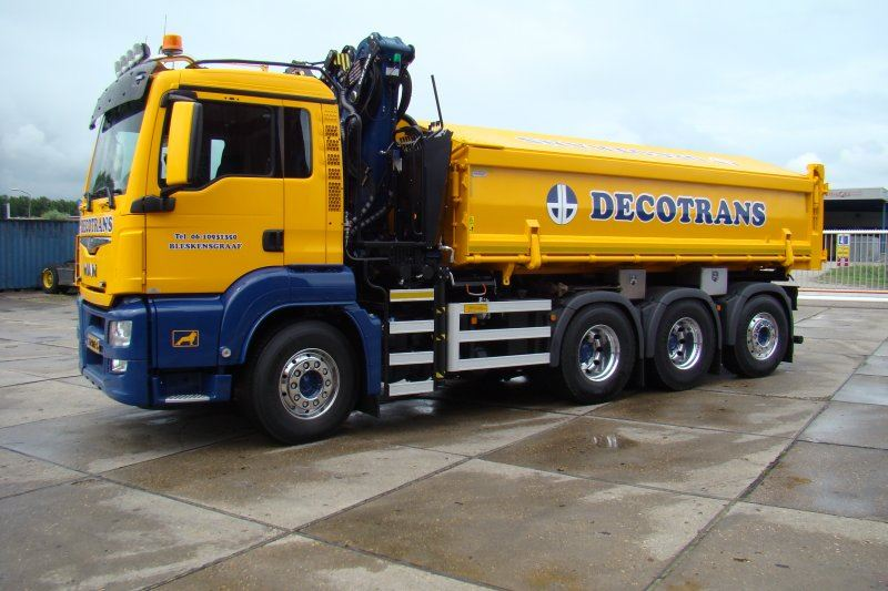 Decotrans-MAN-8x4-met-Tweezijdige-kipper-en-Epsilon-Q180Z95TR-2