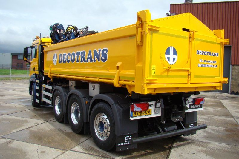 Decotrans-MAN-8x4-met-Tweezijdige-kipper-en-Epsilon-Q180Z95TR-4